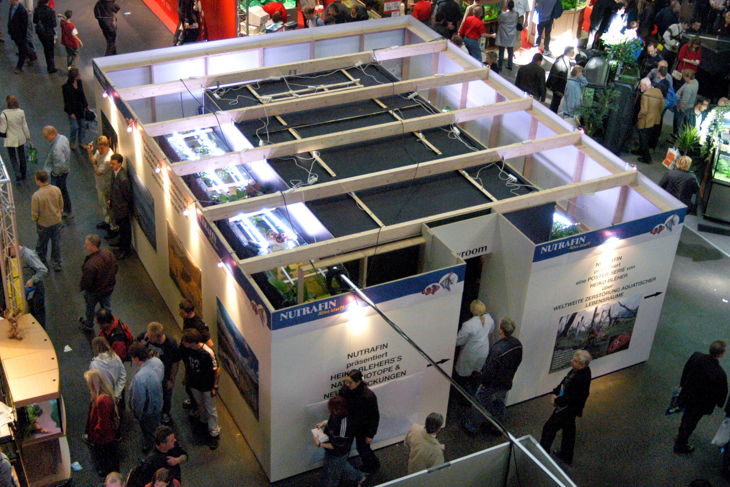 Biotope aquarium stand in Germany 2001. ©BAP, photo N. Khardina